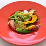 彩り野菜の炭火焼き
