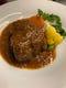 豚肩肉の煮込み、お肉料理もいろいろご用意