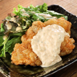 【若鶏のチキン南蛮】自家製タルタルソースの当店自慢の逸品です