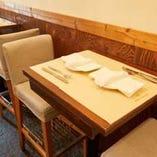 テーブル席(2名様×2)