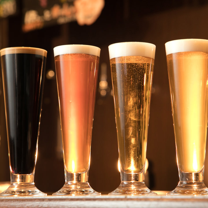 ラガーやピルスナーなど常時7種類のクラフトビールをご用意