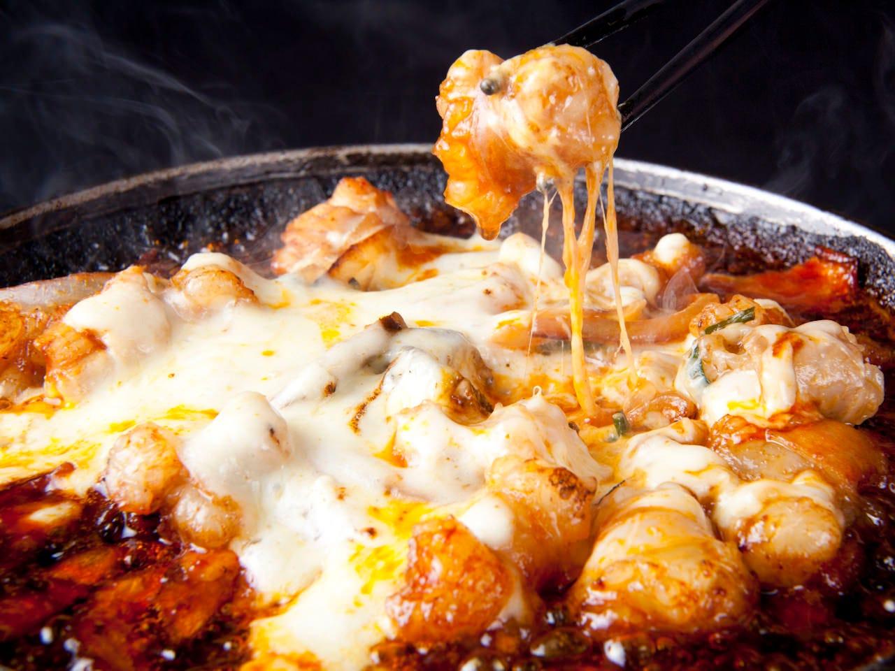 【女性限定♪】120分飲放付!大人気のチーズIN韓流石焼鍋で盛り上がる『博多美人会コース』3,500円