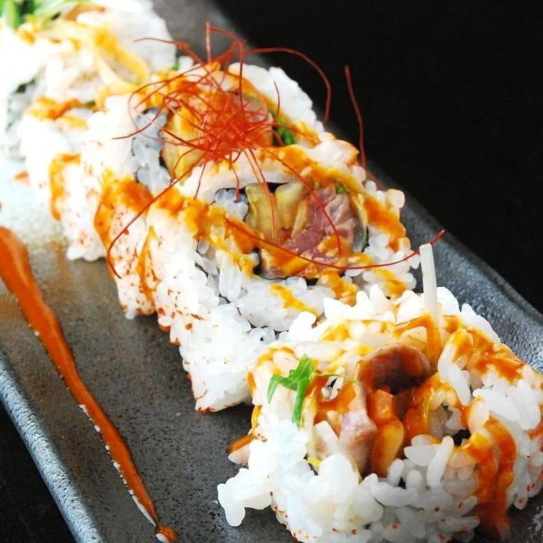 色鮮やかな創作寿司が美味しい!