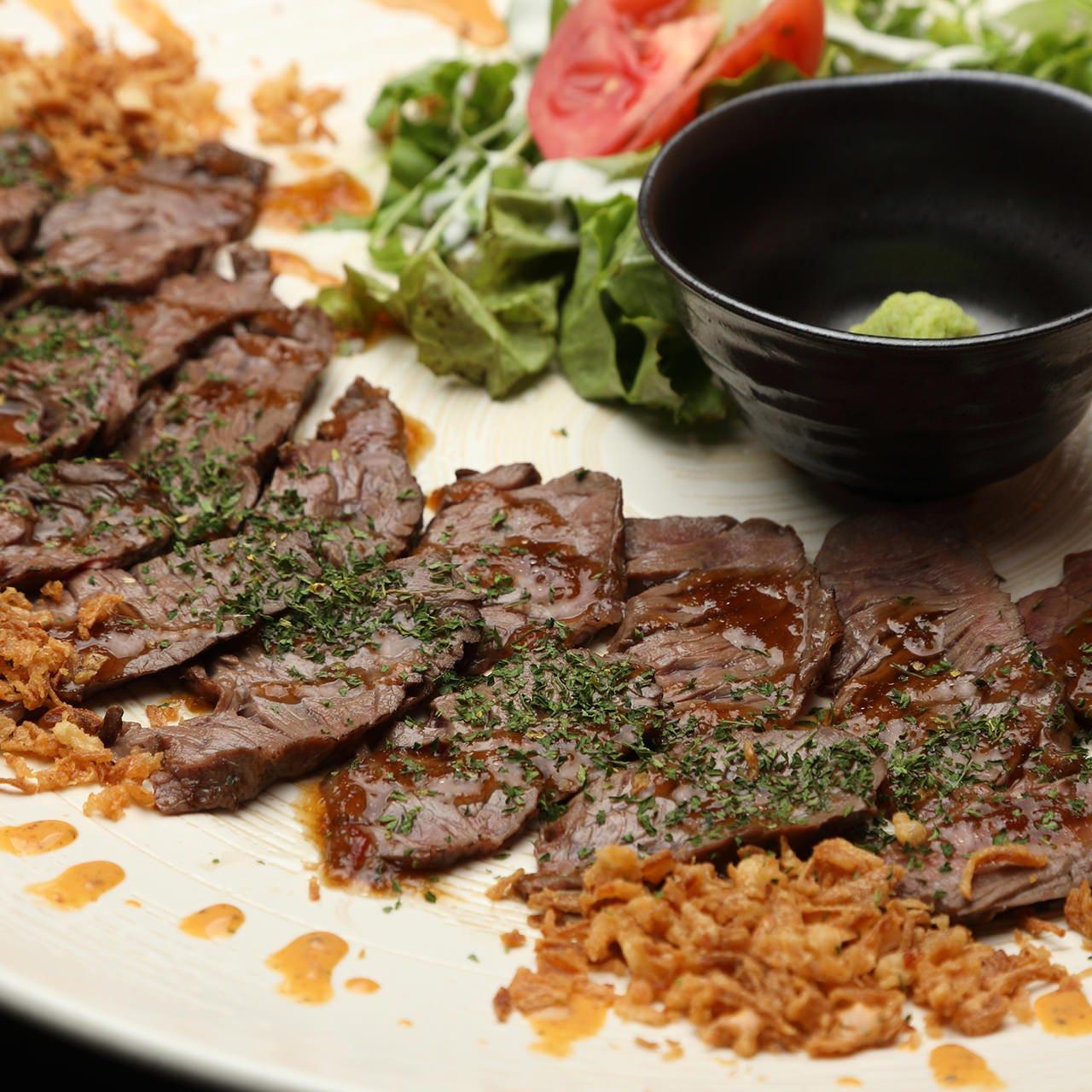 牛肉の美味しさ際立つ「牛ハラミのたたき」は当店1番人気