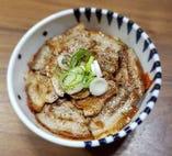 キムチ・サムギョプサル丼