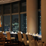 煌めく東京の夜景や名所を一望しながらお食事をご堪能ください