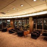 【談話室】東京タワーからレインボーブリッジまでを見渡す位置にある広々としたパーティ個室