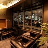 【談話室】室内のソファはご休憩用にお使いください