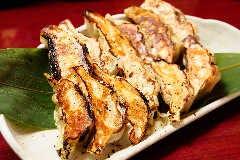 自家製純系名古屋コーチン餃子(焼き)
