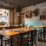 テーブル席【2~22名様】デートや友人とのお食事に◎人数に合わせてご案内