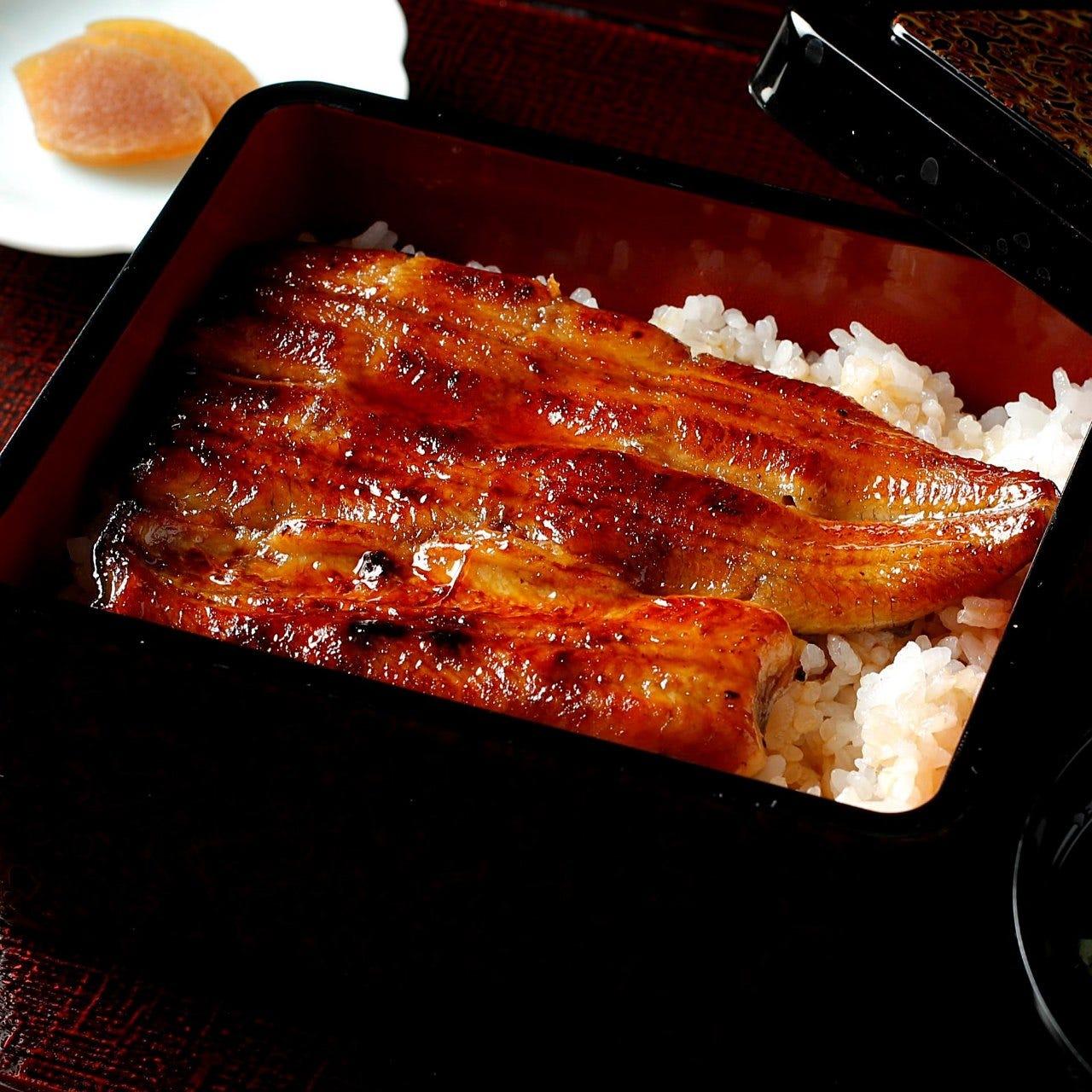 愛知県三河一色産うなぎ。国産鰻にこだわり専門問屋から仕入れ
