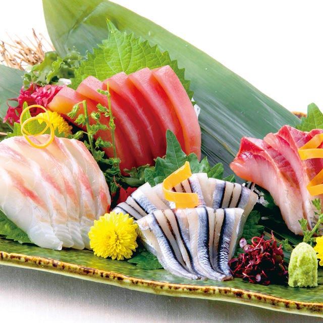 冬宴会【お席ゆったり♪】《豪華鮮魚5点盛り合わせ×もつ鍋コース》9品+2時間飲み放題3500円