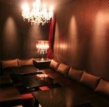 大人気!カラオケとダーツのついた完全個室で優雅な時間をお過ごし下さい。