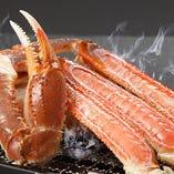旬の時季には、甘みと旨み、食べごたえ抜群の「ずわい蟹」を提供