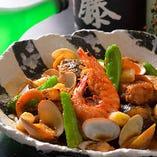 いけす漁場名物「がんば煮」!にんにくが入ったピリ辛料理です!