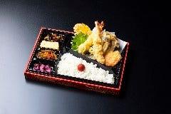 四種の季節野菜と海老の天ぷら弁当 又は 天ぷら重