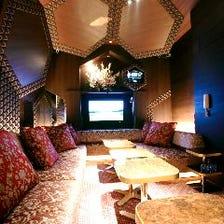 【ぐるなび限定】2時間飲み放題付!豪華なカラオケ付完全個室で食事とお酒を堪能「ラグジュアリーコース」