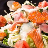 海の恵み海鮮サラダ【人気の逸品】