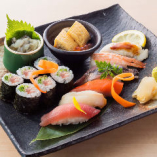 つまみ寿司の盛り合せ 1,480円(税抜)