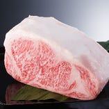 店主の目利きで仕入れるA5黒毛和種の牛肉【宮崎県など】