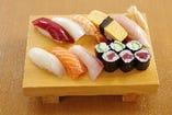 寿司盛(中)握り8貫 鉄火巻0.5本 カッパ巻0.5本 吸い物