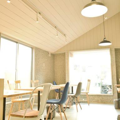 Cafe WASHAGANCHI+  店内の画像