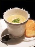 玉ねぎの旨み薫るオニオンスープ