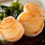 新鮮な海の幸は、鉄板で調理することで更に美味しく