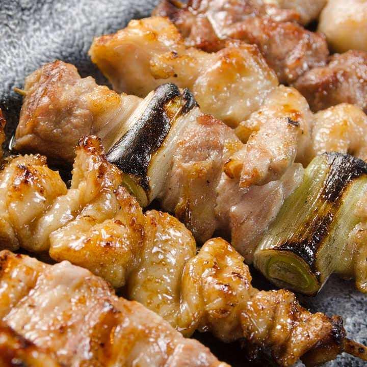 新鮮な地鶏を使用した焼き鳥120円~
