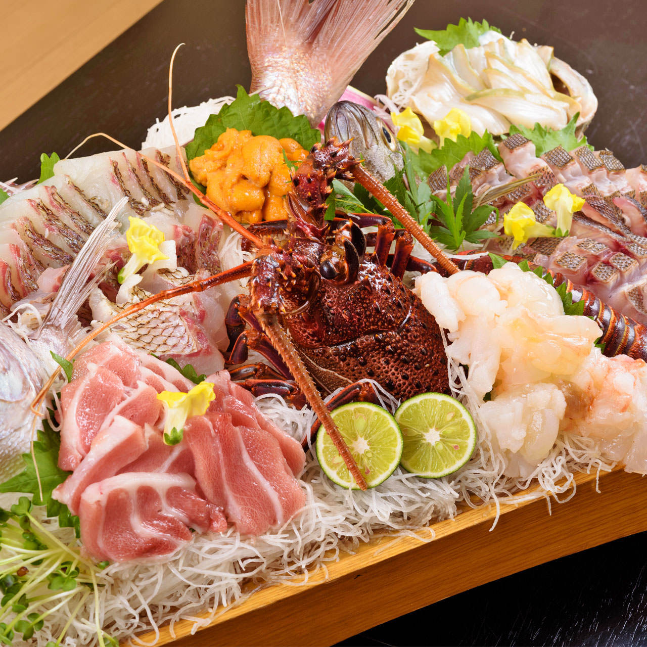 料理長が目利きした鮮度の良い旬の鮮魚をご堪能下さい。