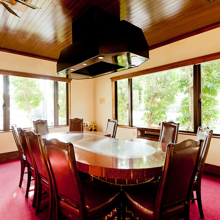 テーブル席・完全個室(壁・扉あり)・8名様~10名様