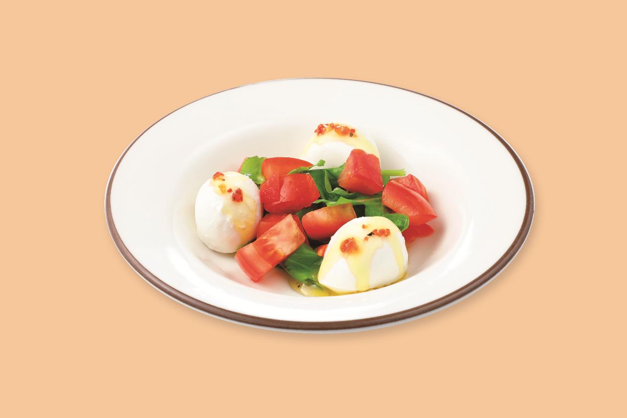 フレッシュチーズとトマトのサラダ