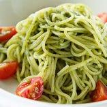 夏季限定メニュー:≪冷≫バジルソースパスタ(サラダ・ドリンク付) Basil sauce pasta