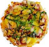 ローストポークと野菜のミックスピザ