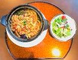 肉団子と野菜の四川風マーラーパスタ
