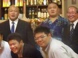 藤島親方、翔天狼、柏日体校長先生を囲んで。