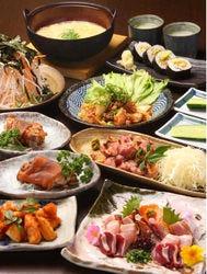 新鮮な鶏刺しや地鶏の塩焼き等、 幹事さん必見の満足コース!!