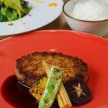musubiのウリを詰め込んだ前菜の盛り合わせ