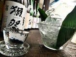 季節に合った日本酒も各種ご用意しています。