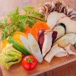 野菜もふんだんに。こだわりの仕入れ。