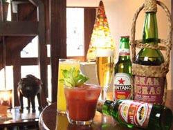 インドネシアのビールと椰子酒アラック。オリジナルカクテルも★