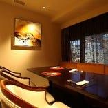 【完全個室】ゆったりとした椅子、ソファー席でお食事を愉しめます