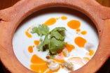 トムカーガイ (鶏肉のココナッツスープ)