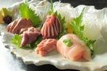 新鮮な刺身を日替わりで用意。 希少部位も味わえます!