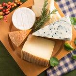 世界各国の厳選のチーズ各種【ヨーロッパなど】