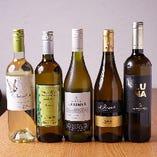 世界中のワインを 豊富に取り揃え