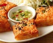 カノンパンナークン Shrimp toast