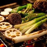 千葉三里塚の有機野菜等、地野菜の炙り焼きは女性にも大人気!