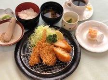 レディースかつ定食(女性限定ランチ)