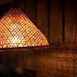 どこか懐かしい笠形のライト